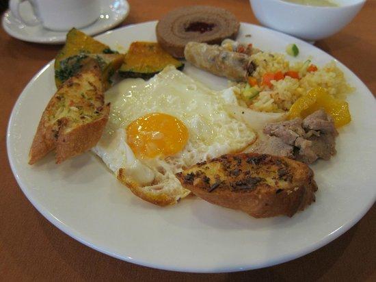 Asian Ruby Luxury Hotel: breakfast
