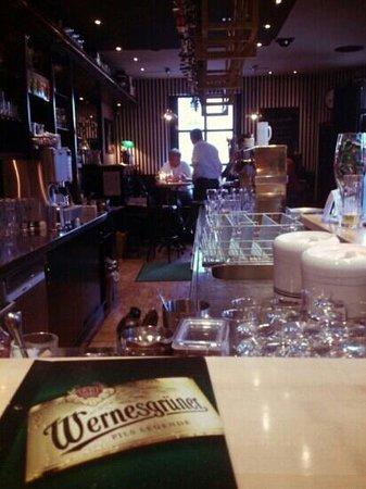 Wernesgruner Bierstube : The bar area
