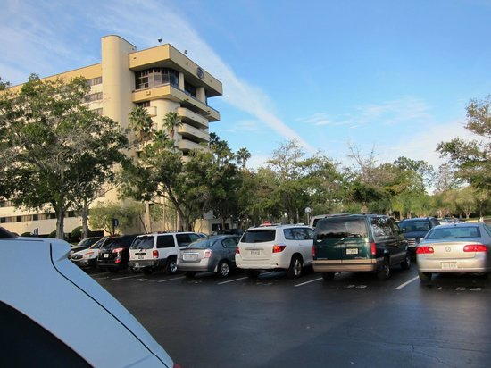 Hilton Orlando Lake Buena Vista - Disney Springs™ Area: Parking lot.  The distance from the hotel and lot is not a far walk.