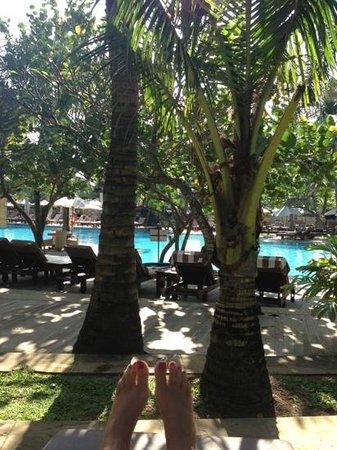 Padma Resort Legian: poolside