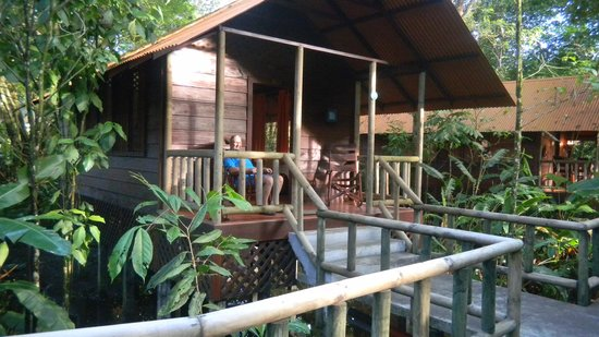 Pachira Lodge: Front porch of cabin