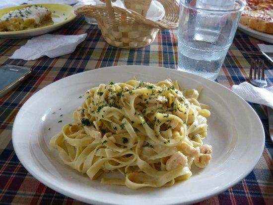 Todo Sabor: Fettucini con pollo en salsa blanca...delicioso!!