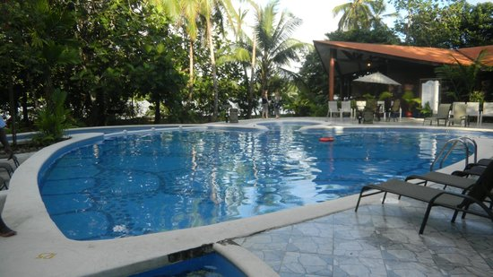 Pachira Lodge: Very relaxing and clean pool