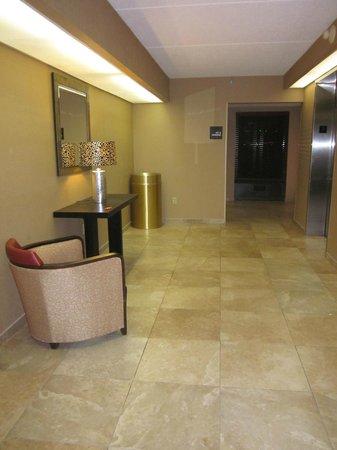 Hampton Inn Scranton at Montage Mountain: Elevator area