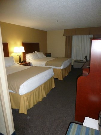 Holiday Inn Express Anniston / Oxford: Room