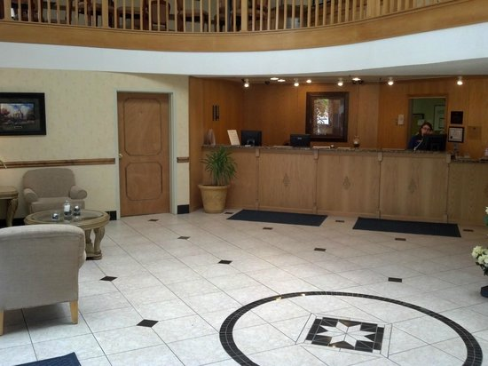 BEST WESTERN Hospitality Hotel & Suites: Lobby