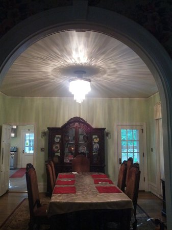 Stony Point Bed & Breakfast: dining room