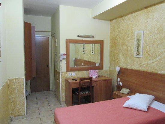 Glaros Hotel : ツインルーム