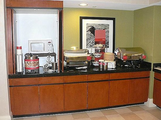 Hampton Inn Ft. Lauderdale /Downtown Las Olas Area, FL.: Breakfast choices