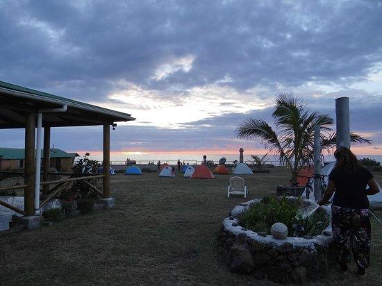 Camping Mihinoa: can see sun set!