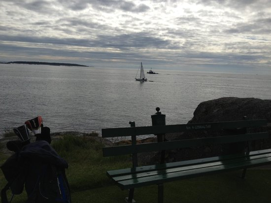 Oak Bay Beach Hotel: View from the tee at Victoria Golf Club next door
