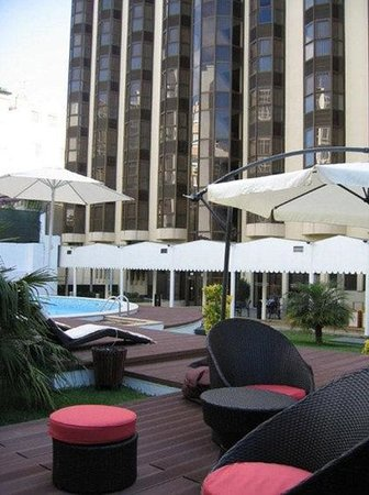 Clarion Suites Lisbon: Pool View