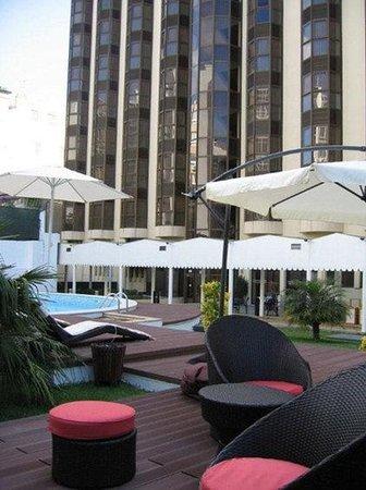 Clarion Suites Lisbon: Pool View