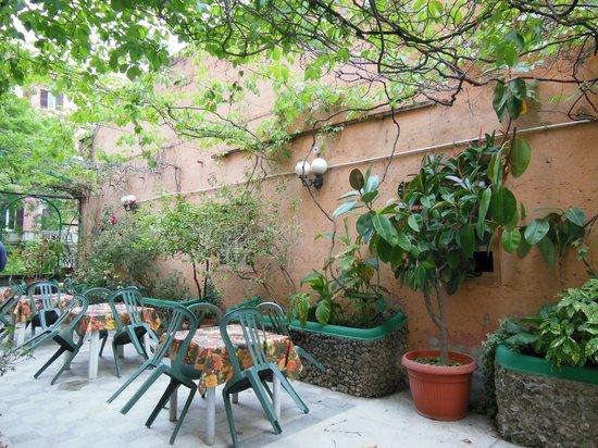 Locanda Carmel : Outdoor Terrace adjacent to dining room at Carmel Hotel