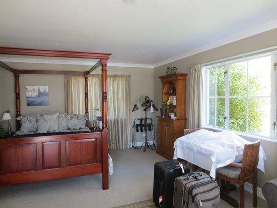 Hillsfield House Bed and Breakfast Marlborough: Courtyard Room
