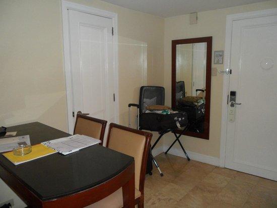 Somerset Olympia Makati: Room
