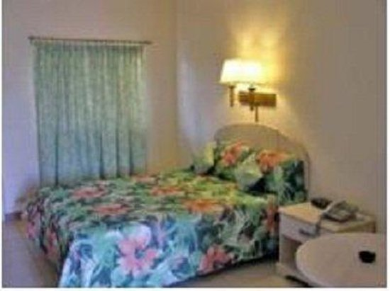 Point Salines Hotel: Single