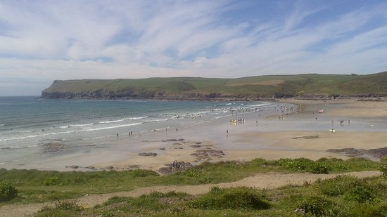 Polzeath Beach: view from capark over beach, tide is out!!!