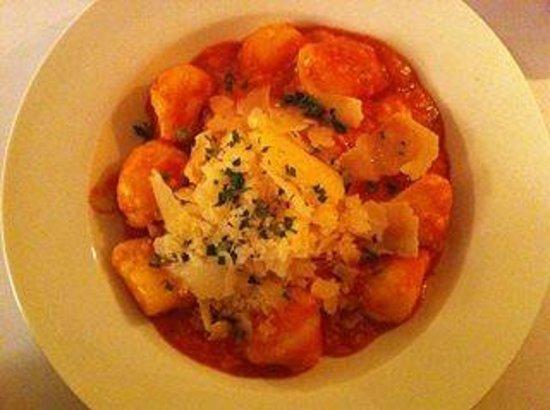 Ipazzi Ristorante Italiano: The gnocchi - perfect flavour, perfect size.