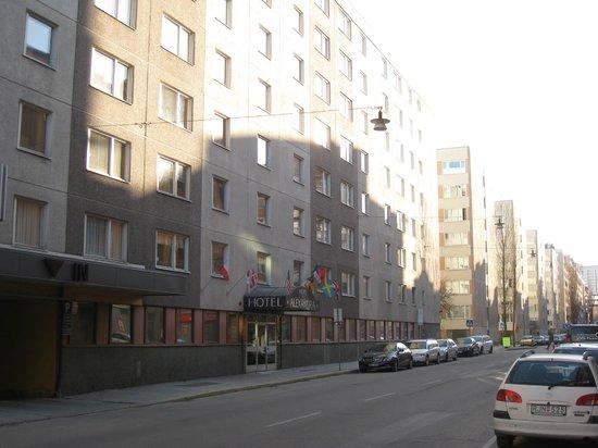 Alexandra Hotel: Hotel building