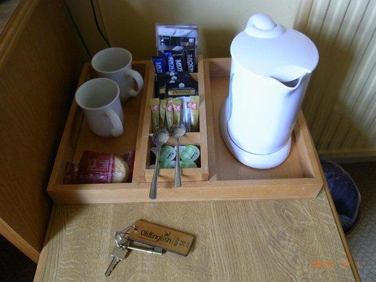 The Rising Sun Hotel: Courtesy tea/coffee set in room