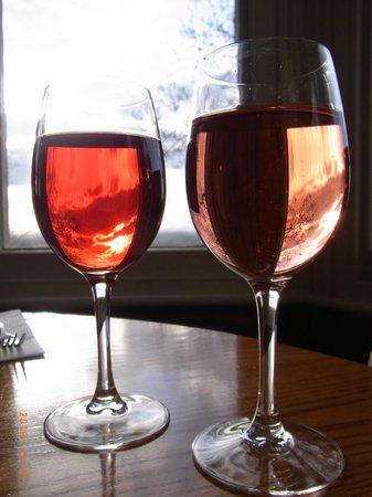 The Rising Sun Hotel: enjoying wines