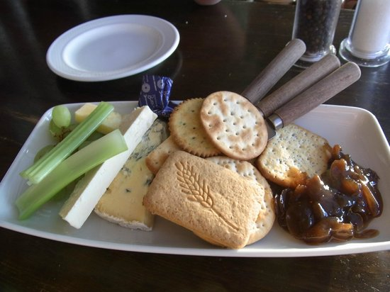 The Rising Sun Hotel: cheese plate - after main dinner