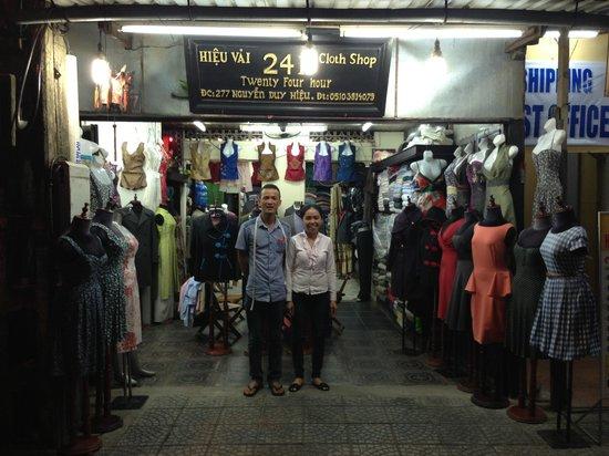 Mr Lai 24 h Clothes shop