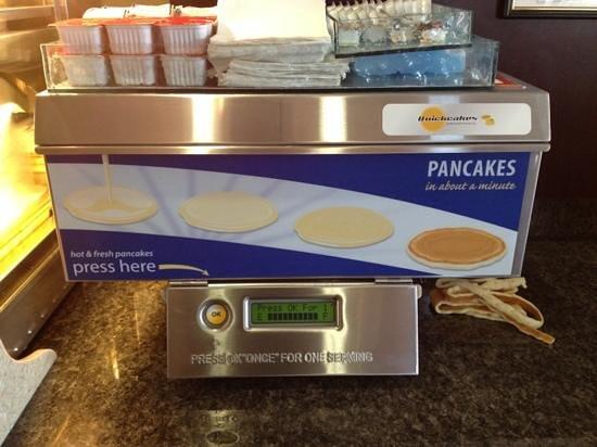 Holiday Inn Express & Suites Salina : Pancake Machine