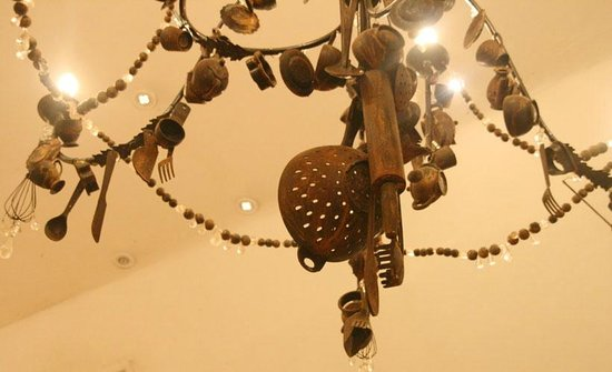 African Pride Mount Grace Country House & Spa: chandelier