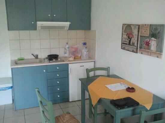 Hotel Elpis Bali: Room's kitchen