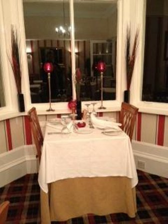 Abbot's Brae Hotel: Enjoy a candle lit dinner!