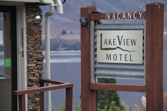 Lakeview Motel : The sign