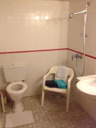 Residence Hoteliere de la Vigne: sanitaire d'une autre époque ou digne du tiers monde