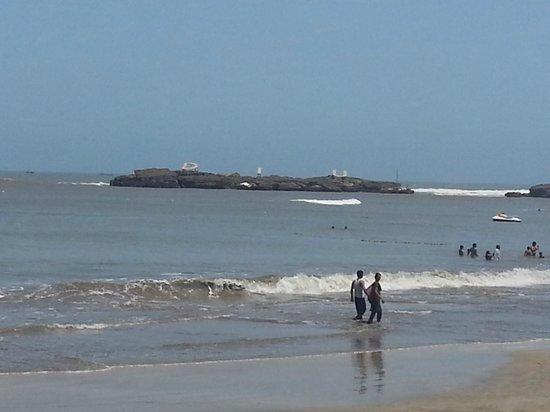 Radhika Beach Resort: beach just outside the resort