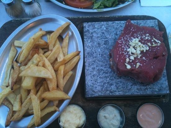 Buganvílla: fillet steak on a stone