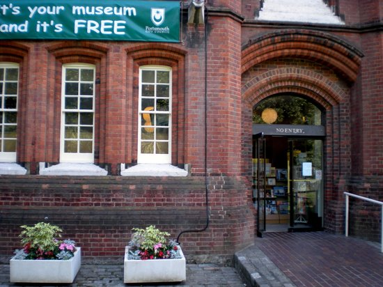 Portsmouth Museum: The entrance