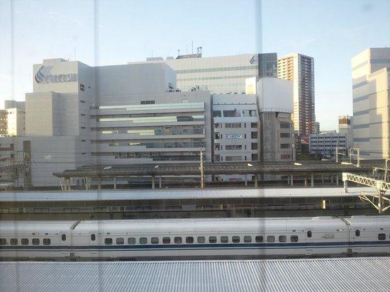 Hotel Sorriso Hamamatsu: 部屋から新幹線