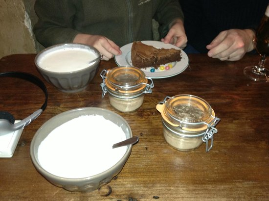 Ginette et Marcel : lovely do it yourself hot chocolate - and cake