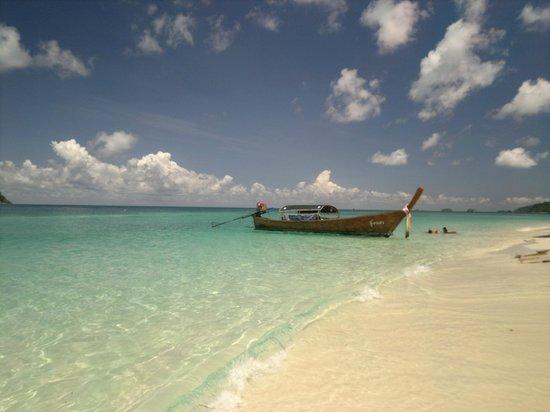 Mali Resort Pattaya Beach Koh Lipe: By the beach