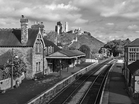 Olivers: Corfe Castle Train Station