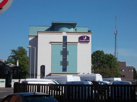 Premier Inn Loughborough Hotel: Perfect location