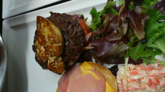 Warner Cafe: burger rosini