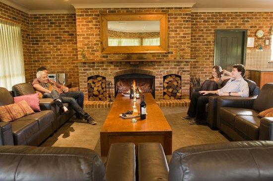Ironstone Estate : Lodge - open fire