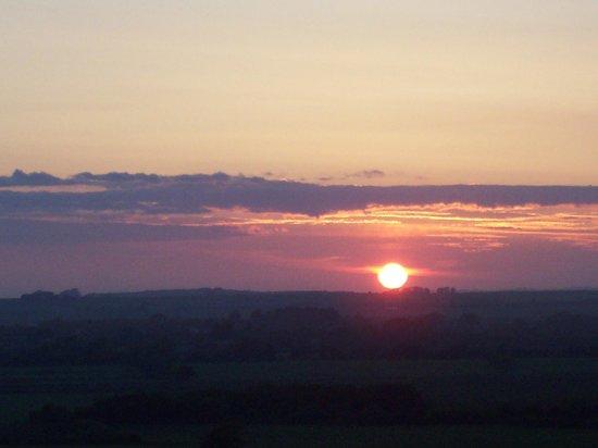 Tafarn Y Rhos: Stunning sunset