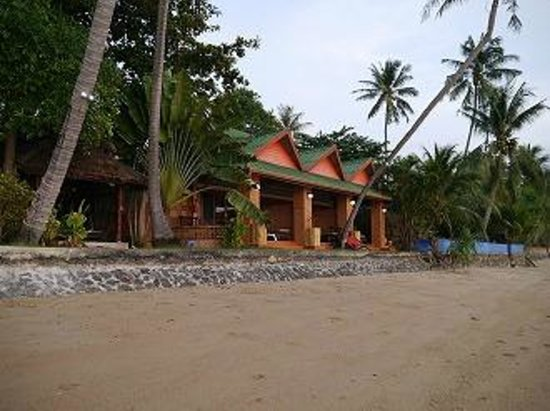 Friendship Beach Resort & Atmanjai Wellness Centre: beach