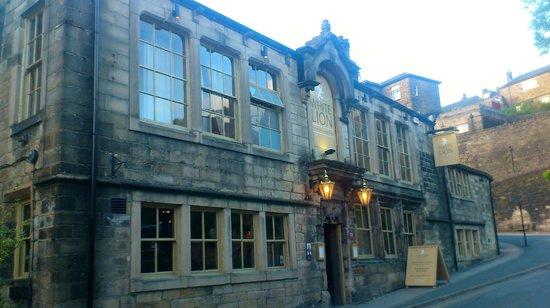 The White Lion Hotel: White Lion entrance