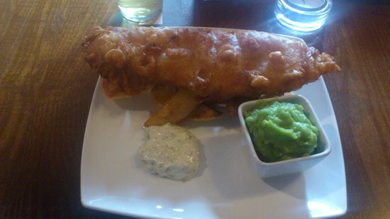 The White Lion Hotel: Fish and Chips