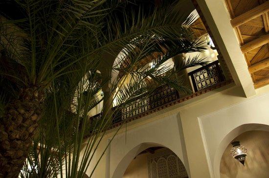 Riad Les Trois Palmiers El Bacha: Patio