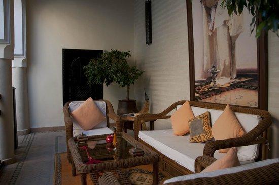 Riad Les Trois Palmiers El Bacha: Salon